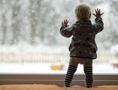 Binnen spelen met sneeuw; 9 tips en ideeën zoals verven en sneeuwpop maken