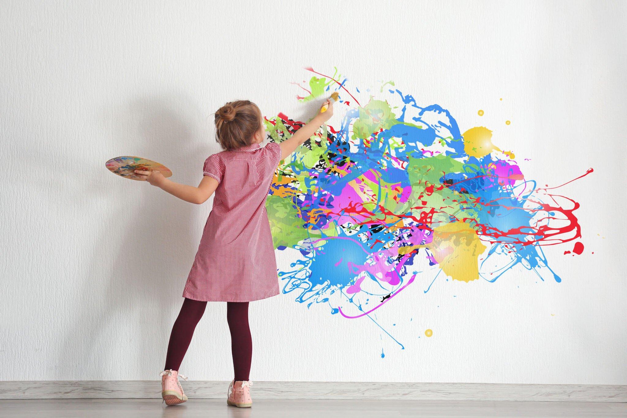 Tips voor als je je kind wel achter het behang kunt plakken - Mamaliefde.nl